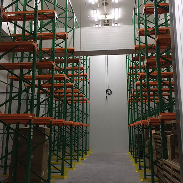 What are the factors affecting the installation design of small cold storage